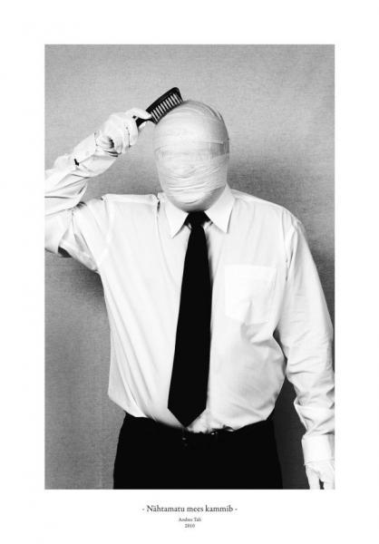 Andres Tali. Nähtamatu mees kammib (2010, digitaaltrükk, 125 x 165 mm)
