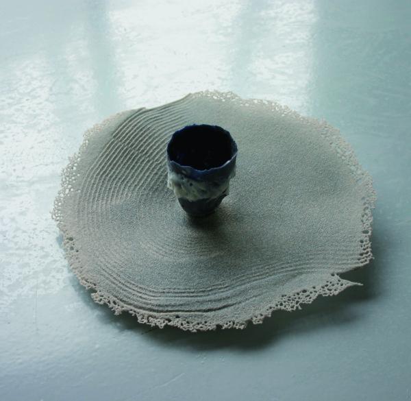 Mare Saare - Laine sünonüümid (2009, klaas, pâte de verre, liivalesulatus, läbimõõt 320 mm)
