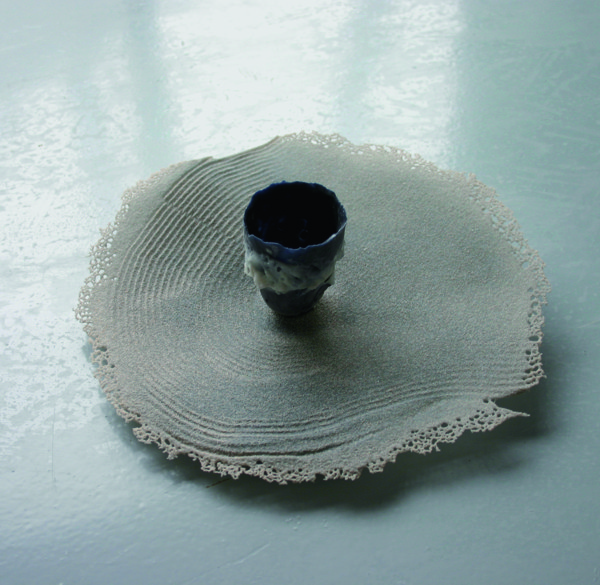 Mare Saare - Synonymes of Wave (2009, glass, pâte de verre, fused on sand, diameter 320 mm)