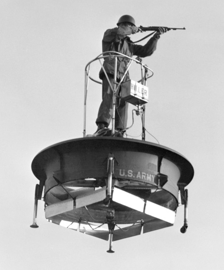Ühe mehe lennualus (nn Hiller Flying Platform), 1957, US armee tellimus-eksperiment. Foto: The Flying Platforms & Jeeps