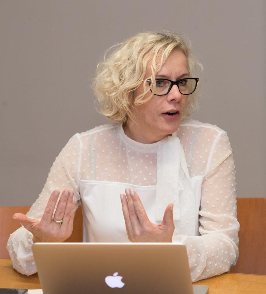 Monika Haukanõmm (vestlusringis veel Vabaerakond). Foto: Erik Peinar