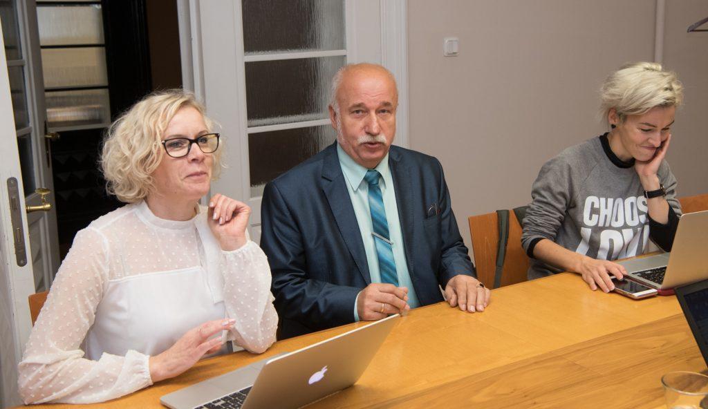 Monika Haukanõmm (vestlusringis veel Vabaerakond), Raivo Põldaru (EKRE) ja Yoko Alender (Reformierakond). Foto: Erik Peinar