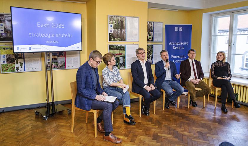 """Riigikogu liikmed arutasid 22. jaanuaril 2020 Riigikogus Johannes Tralla juhtimisel strateegias """"Eesti 2035"""" kavandatavaid muutusi tervise ja hariduse vallas"""