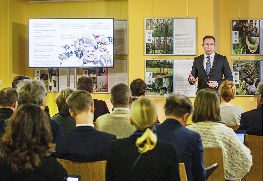 """""""Eesti 2035"""" strateegia koostamisest ja seatud sihtidest rääkis Riigikogu liikmetele 22. jaanuaril 2020 Riigikantselei strateegiadirektor Henry Kattago"""