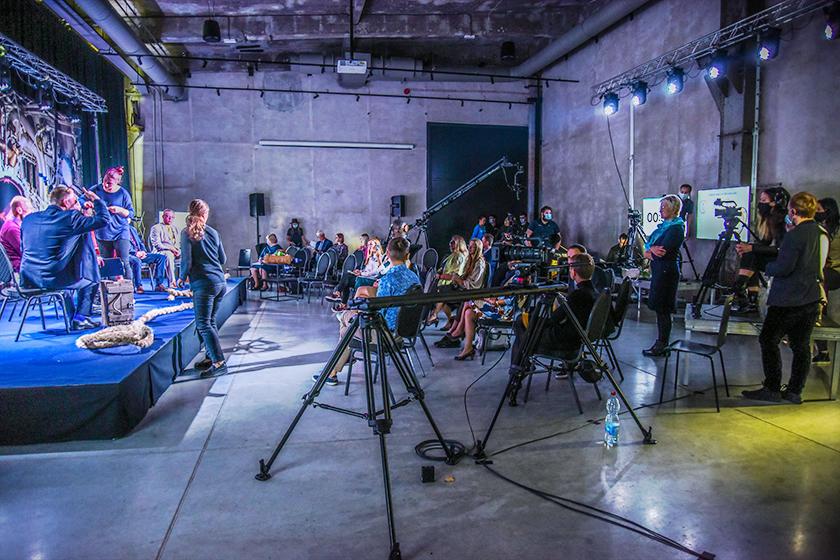 """Virtuaalkonverentsil """"OSKA ekspeditsioon töö ja oskuste ookeani"""" 23. septembril 2020 arutleti tulevikus vajalike oskuste üle. Foto on tehtud konverentsi vahepausil"""